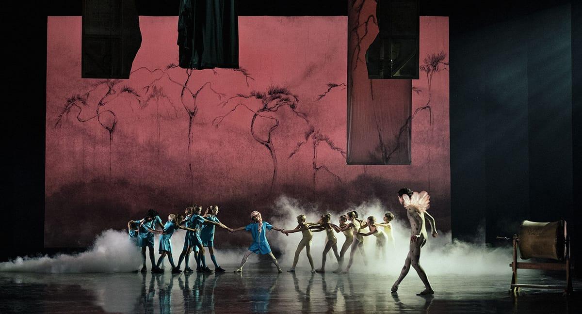 Scene fra dansefeber på Det Kongelige Teaters Gamle Scene
